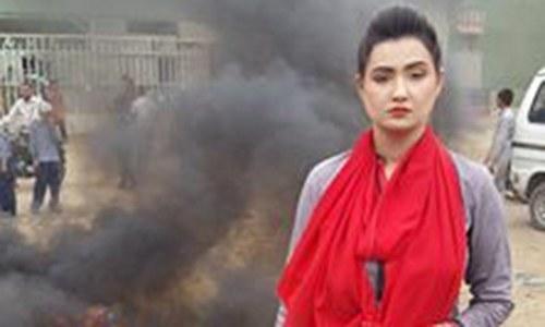'اب تک' کی میزبان ثناء فیصل کو فین نے 'زہر' دے دیا
