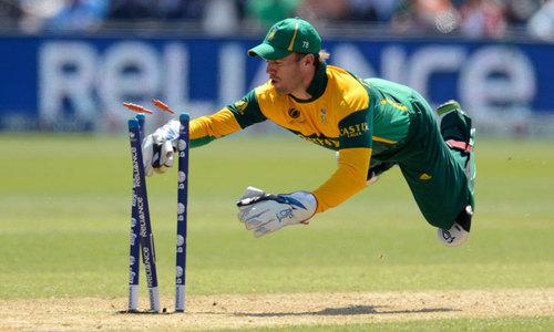 Surgery rules out De Villiers for Australia series