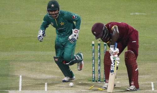 Imad Wasim restricts West Indies to 103-5 in final T20