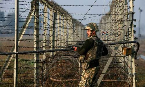 Pakistani, Indian troops exchange fire across Line of Control