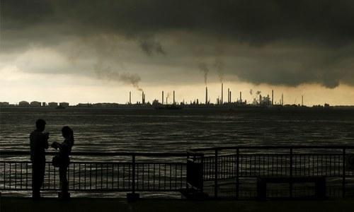 As Iran oil tenders near, investors still in the dark on terms