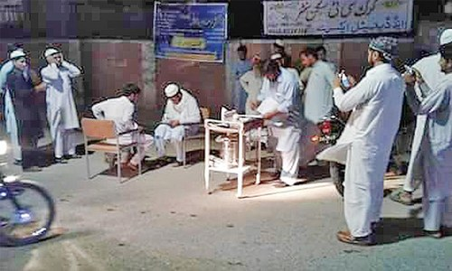 Amid power cuts, doctors at Karak hospital treat patients on roads