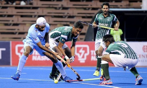 India down Pakistan in thriller; Malaysia reach semis