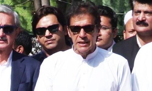 نواز شریف فوج کو تنہا کررہے ہیں: عمران خان