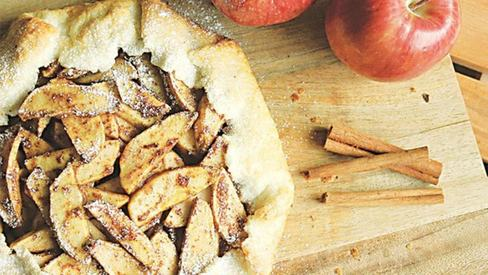 Craving apple pie for breakfast? Here's an easy-to-make version of the delectable treat
