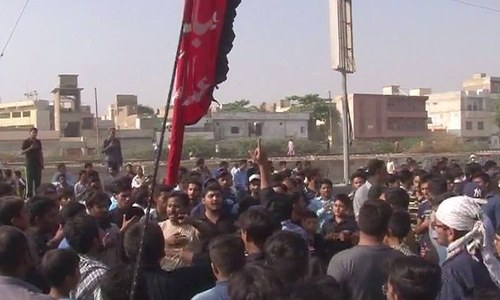 Police, protesters face off over religious workers' arrests in Karachi