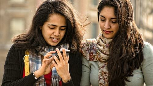 How secret Facebook groups are changing female friendship in Pakistan