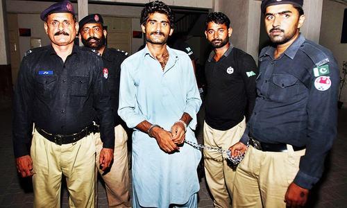 Qandeel Baloch murder trial stalls as lawyers strike in Multan
