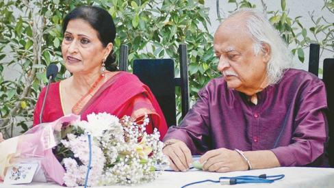 Anwar Maqsood's wife pens his life story in 'Uljhey Suljhey Anwar'