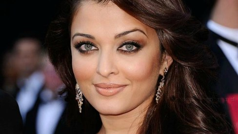 Dear ladies, here's why you should be careful about buying locally made kohl