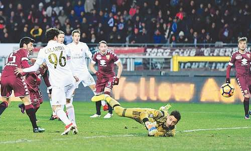 Milan recover from two-goal deficit to draw at Torino