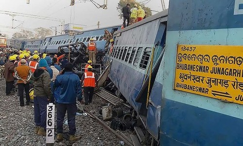 At least 39 killed as Indian train derails