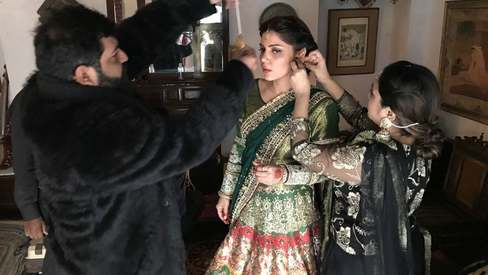 Will Hadiqa Kiani's new video give us mehndi goals?