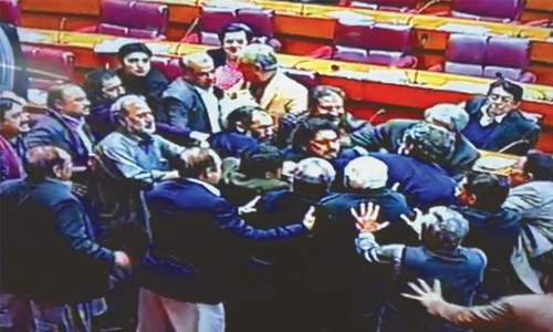 PML-N, PTI lawmakers trade blows, insults in NA
