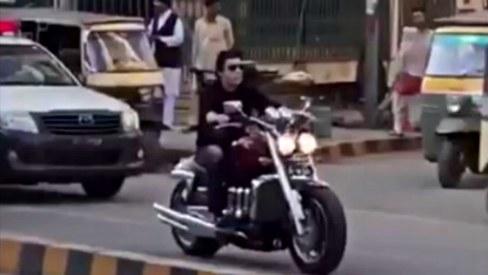 PTI slams VIP culture, but Faisal Vawda needs 4 security mobiles to protect his bike