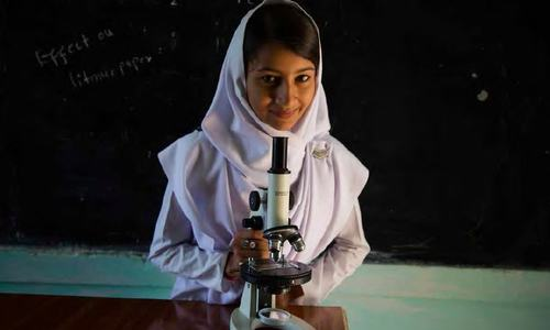 Why are Pakistani students deplorable at maths and science?