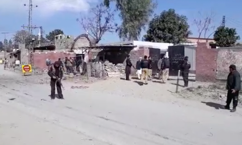 3 bombers killed during attack on Charsadda court: officials