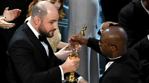 The Oscars announced the wrong Best Picture and Twitter is losing it