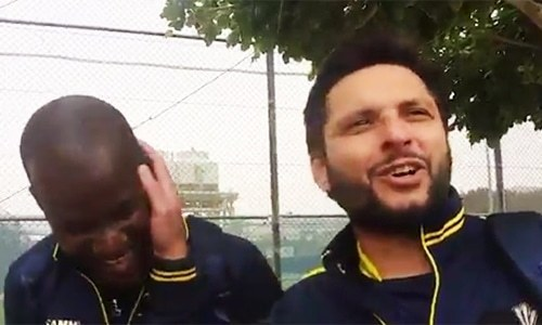 Afridi hints at Sammy's availability for PSL final