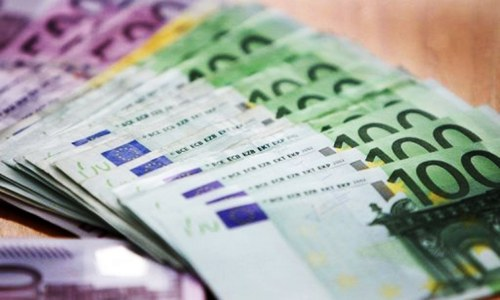 Euro gains against rupee