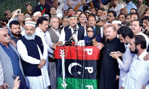 Zahir Shah rejects Khattak's 'offer' to join Tehreek-i-Insaf