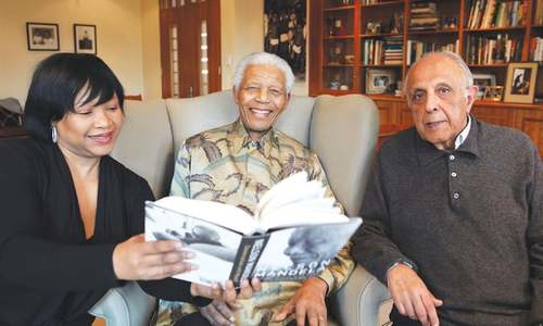 Anti-apartheid icon Kathrada dies at 87