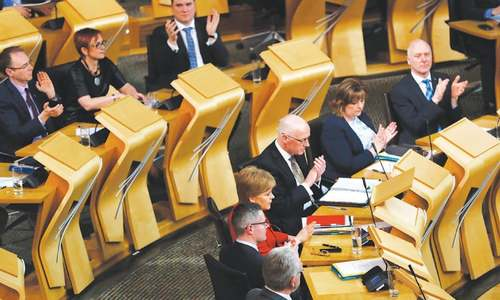 Scottish MPs back independence referendum on eve of Brexit