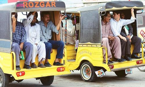 Supreme Court bans unregistered Qingqi rickshaws across the country