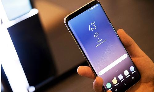 Galaxy S8 phones launched by Samsung, includes virtual assistant Bixby