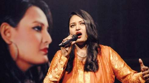 Pakistan's first opera singer Saira Peter steals hearts in Islamabad