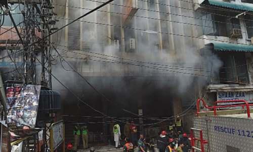 28 shops gutted in Anarkali blaze
