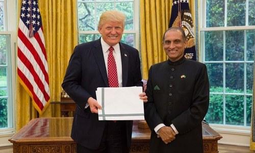 نئے پاکستانی سفیر کی ڈونلڈ ٹرمپ سے ملاقات