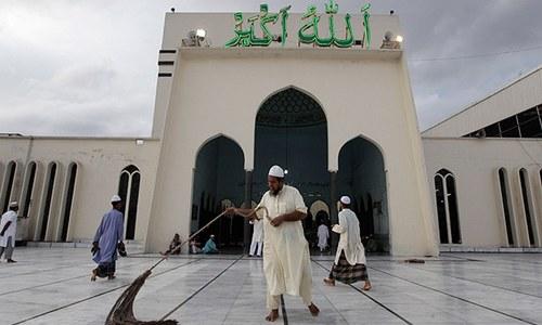 Bangladesh to build hundreds of  mosques with Saudi cash