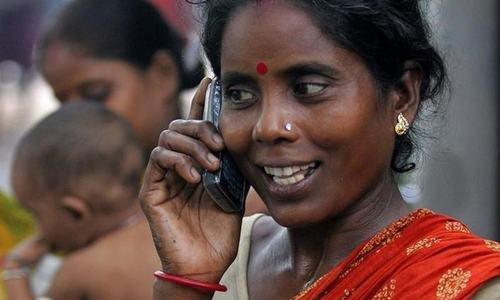 Indian village bans women from using mobile phones