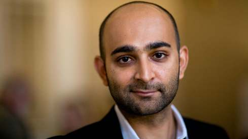 One problem in Pakistan is that people don't believe in themselves, says novelist Mohsin Hamid