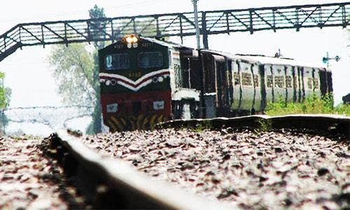 Railways signs fuel transportation pact with PSO