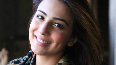 Actor Ushna Shah calls out Pakistani showbiz on its hypocrisy in Ramazan