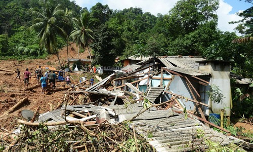 Sri Lanka finds more bodies as mudslide deaths reach 151