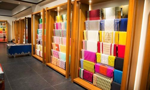 Khaadi faces social media rage amidst allegations of inhumane work conditions
