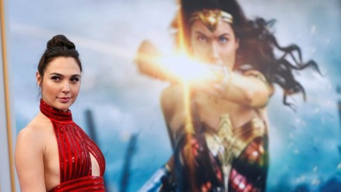 Wonder Woman banned in Lebanon over Gal Gadot's Israeli origins
