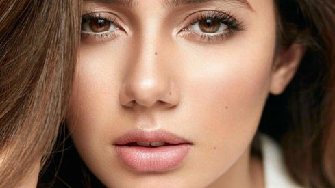 Mahira Khan spills her beauty secrets in Vogue India