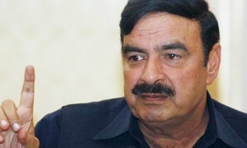 Sheikh Rashid in awkward scuffle outside Parliament