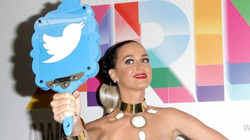 Katy Perry makes Twitter history with 100 million followers