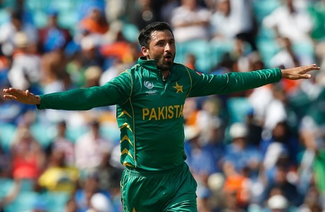 Junaid, Hafeez receive warm welcome