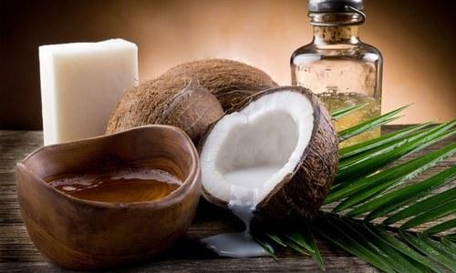 ناریل کے تیل میں گوشت اور مکھن سے زیادہ چربی