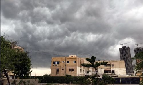 Karachi receives first monsoon shower