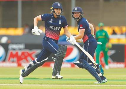 Record-breaking England women whip Pakistan