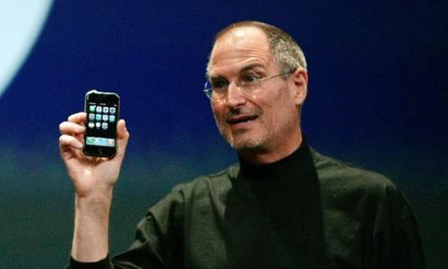 Apple's iPhone turns 10, bumpy start forgotten