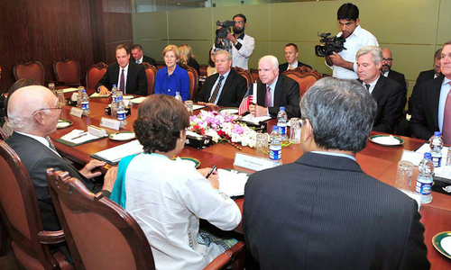 Delegation of US Senators meets Sartaj, highlight Pakistan's regional importance