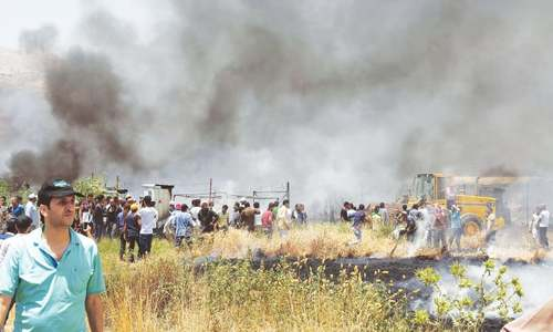 Fire destroys Syrian refugee camp in Lebanon, kills one